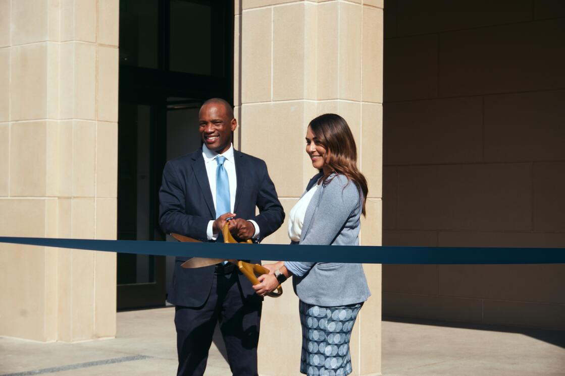 Ribbon cut 6